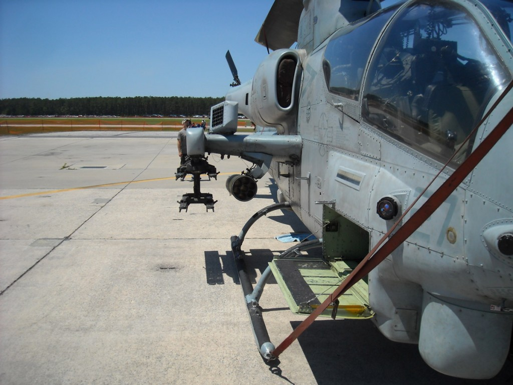 zombie weapons military - kill all zombies with this military helicopter