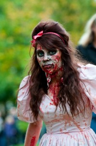zombie-walks-2011-zombie-girl-10