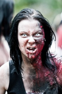 zombie-walks-2011-zombie-girl-11