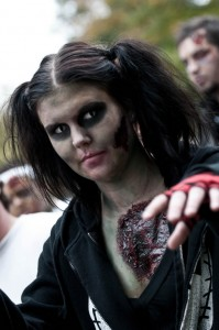 zombie-walks-2011-zombie-girl-12