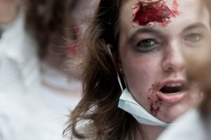 zombie-walks-2011-zombie-girl-3