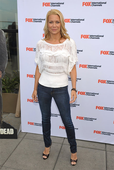The Walking Dead Comic Con 2012 Lauren on red carpet